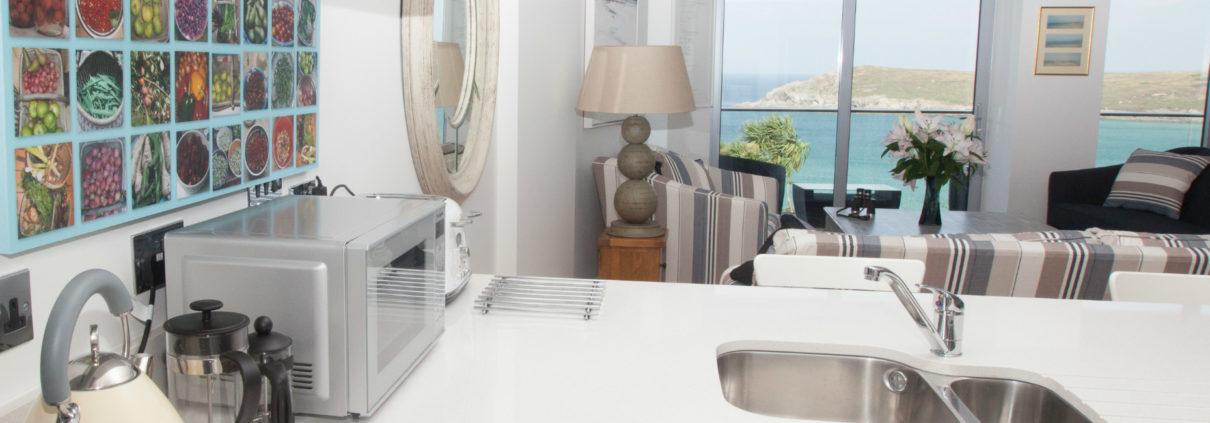 Apartment 7 kitchen 1210x423 - Holiday Apartment 7
