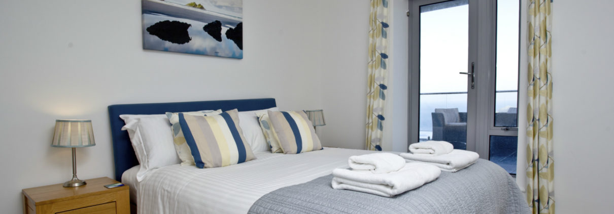 Luxury holiday apartments apartment 9 crantock bay for 2 master bedroom apartments