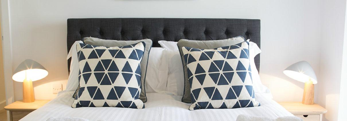 Crantock Bay Apartment 1 master bedroom 1210x423 - Holiday Apartment 1