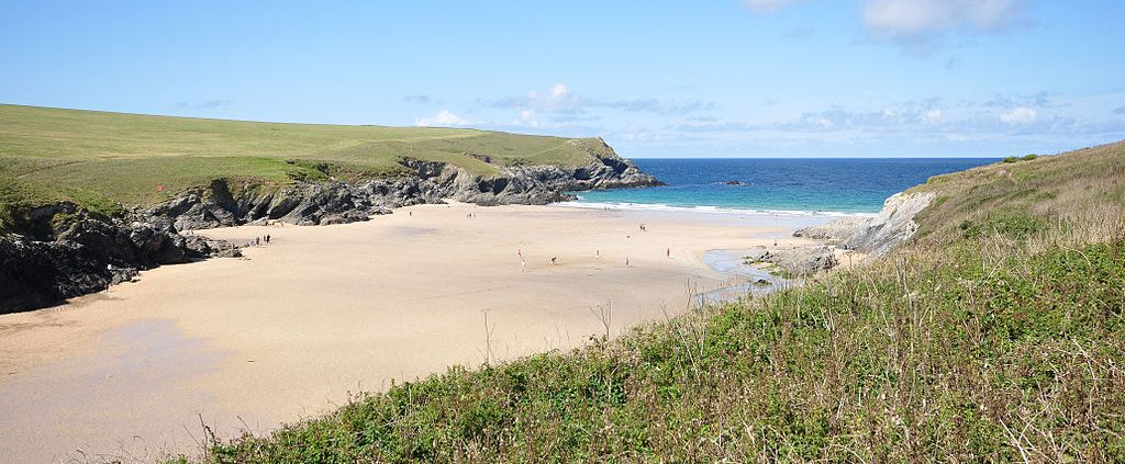 1024px Porth Joke 1024x423 - Where to find dog friendly beaches in Cornwall this summer