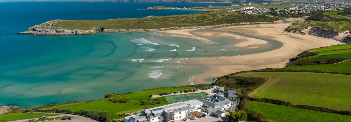 Crantock Bay Apartments homepage 1210x423 - Welcoming in the New Year the Cornish way